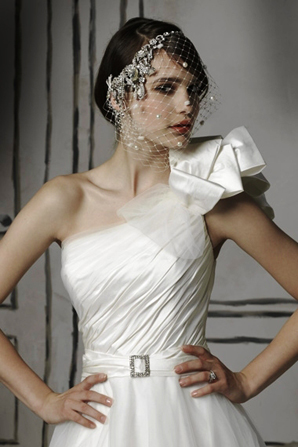 one-shoulder-brautkleid